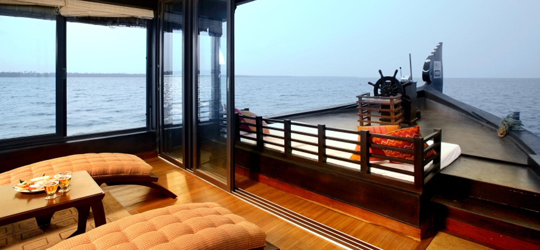 Relax HouseboatsDeluxe Houseboats in Alleppey Kumarakom